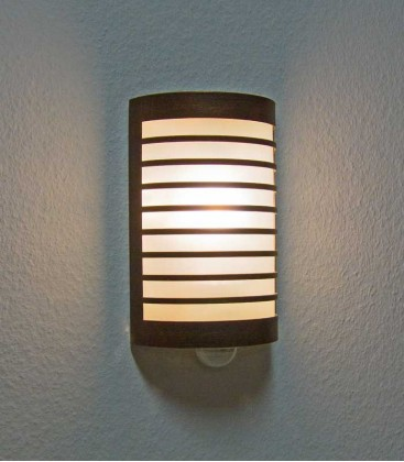 Half cylinder wall light TERU with sensor, brown-gold